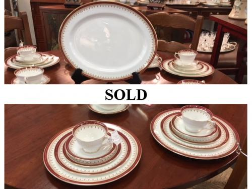 "DINNER SERVICE FOR 8 AYNSLEY CHINA ""DURHAM PATTERN"" INCLUDES SERVING PIECES $550"