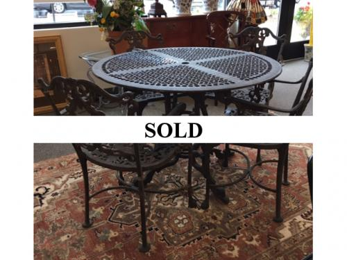 VINTAGE CAST ALUMINUM TABLE WITH 4 CHAIRS