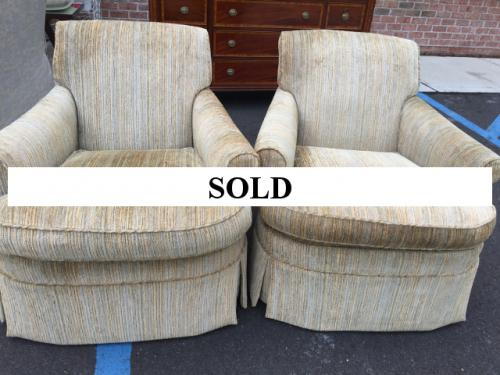 PAIR OF KRAVET UPHOLSTERED CLUB CHAIRS