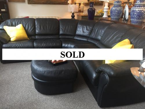 ITALIAN BLACK LEATHER SECTIONAL WITH OTTOMAN - $895