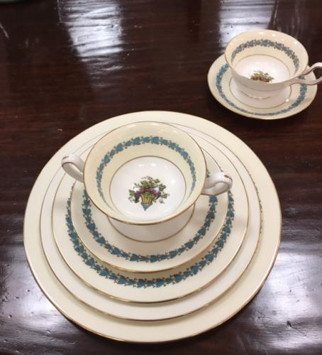 "WEDGWOOD ""APPLEDORE"" SERVICE FOR 12 $595"